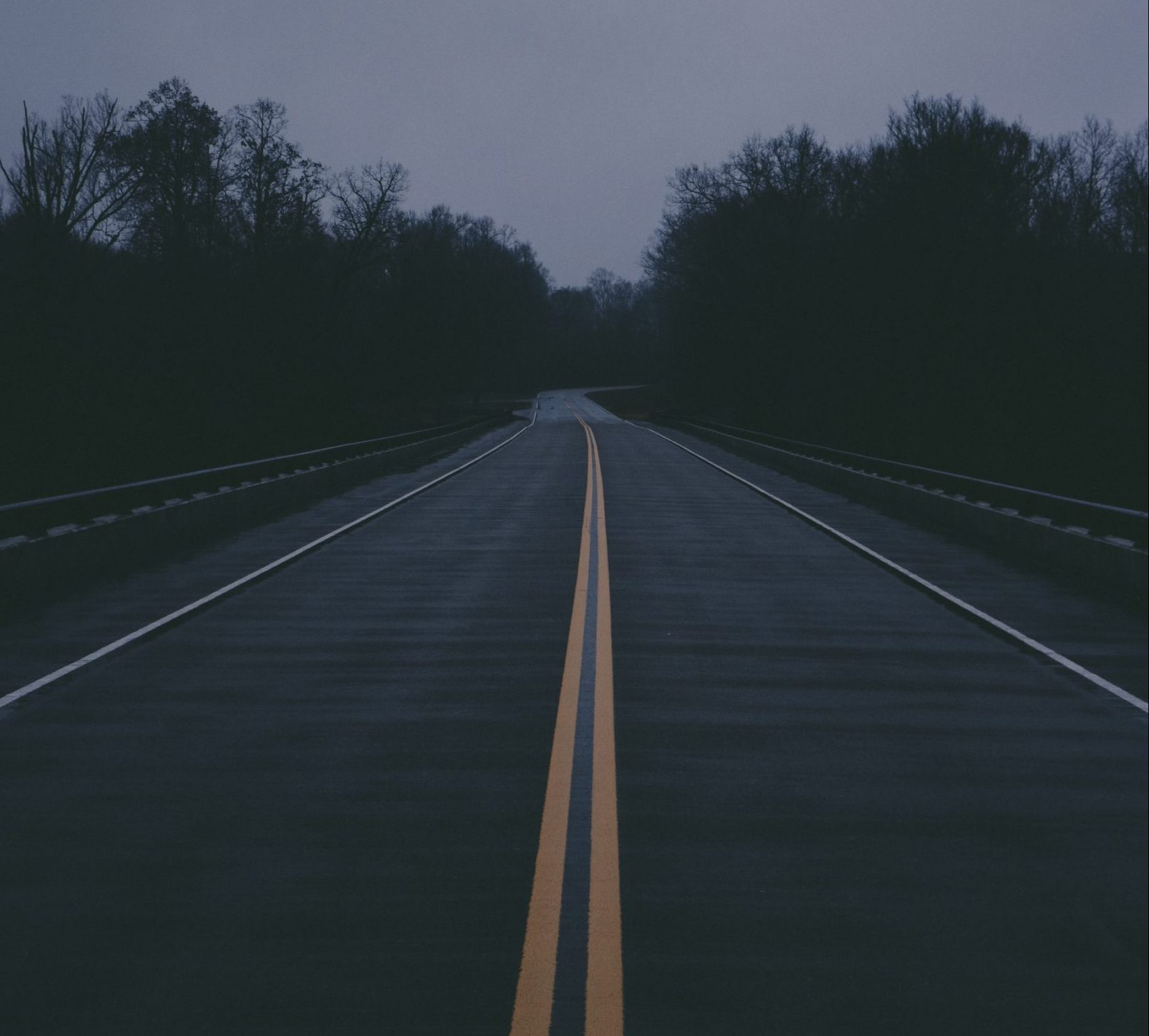 https://unsplash.com/photos/b_UtP7rm_po